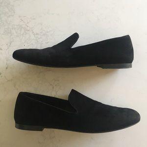 Vince black suede loafer size 9M